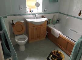 Bathroom suite.