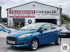 2013/13 Ford Fiesta 1.25 Zetec finished in Candy Blue Metallic., 48,786 miles