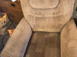 Savannah Rise Recliner Chairs x 2