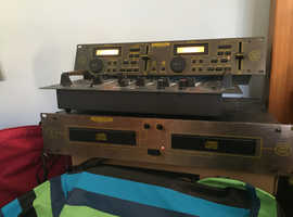 Twin CD player and 4ch mixer