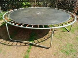 10 foot plum trampoline
