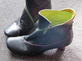 Everybody by EZ Moda Footwear