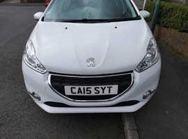 Peugeot 208, 2015 (15) White Hatchback, Manual Petrol, 1.2 Pure Tech Active Excellent Condition