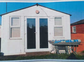 2 bedroom chalet isle of Sheppey holiday village