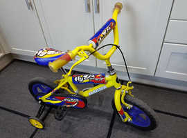 12 inch Wheels Bicycle - Magna Flyzone - to suit 2 to 4 year old.