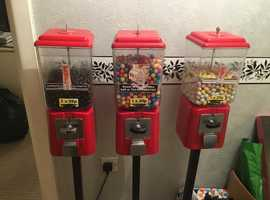 WANTED vending towers machine business round sweets toys pringles