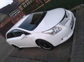 Toyota Avensis, 2010 (60) white estate, Automatic Petrol, 90200 miles