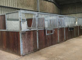 For rent- Flat, 4 stables, grazing and use of indoor school