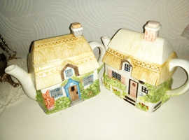 Two country collectables teapots