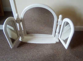 Three way bedroom mirror in white