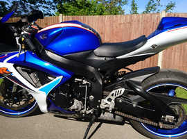 Suzuki GSXR 600 K7 One owner 12,000 dry miles in standard condition. Blue White