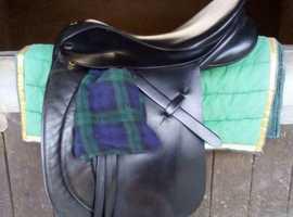 """17.5"""" Samber WH saddle. XW."""