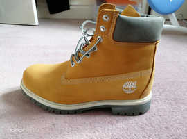 Timberland mens boots premium UK size 9 and 9. 5, Brand new and never worn