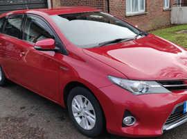 Toyota Auris, 2013 (63) red hatchback, Cvt Hybrid, 33000 miles