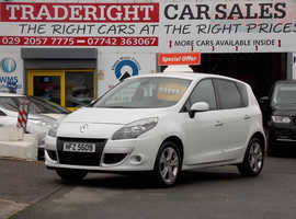 2011/61 Renault Scenic 1.5 DCi Dynamique Tom-Tom finished in Arctic White. 75,032 miles