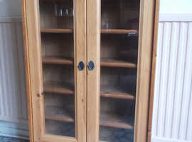 CD STORAGE CABINET 2 GLASS DOORS 44 INS 112CMS HIGH WOOD 6 SHELVES GOOD CONDITIO