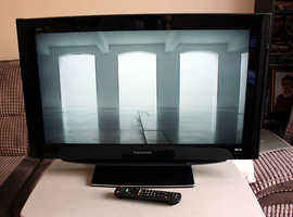 Panasonic 32 inch LCD TV with Freeview