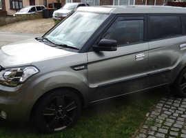 Kia Soul, TEMPEST  2010 (59) Silver Hatchback, Automatic Diesel, 76,000 miles