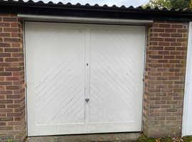 Lock up garage to rent EN2