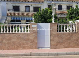 Costa Blanca Beachside 2 Bed Apartment with Large Garden - La Mata