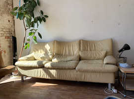 FREE SOFA (COLLECTION ONLY - PO10)