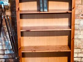 Pine bookcase moveable shelves