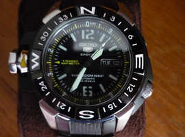 SEIKO 5 SPORTS AUTOMATIC MAP METER DIVERS WATCH