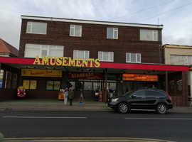 Members Club & Amusement Arcade & 2x 4bed flats - opp Sea View in Clacton on Sea For Rent