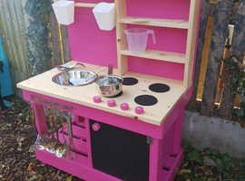 Bespoke Hand Crafted Mud Kitchens & Chalkboards Made To Order. Many More Styles Available.