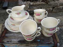 20 piece Alfred Meakin tea service
