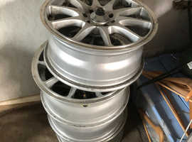 Excellent 15in 4 alloy wheels