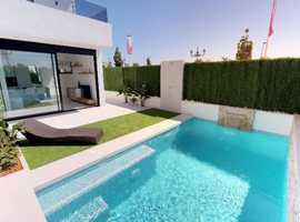 Los Alcazares, Mar Menor, Key ready new build 3 bed 2 bath detached villas with a private swimming pool just 650m from the sea