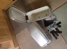 Motorcycle panniers / saddlebags