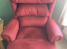 Dual Motor Sherborne Rise and Recliner Mobility Chair - Like New - Can Deliver