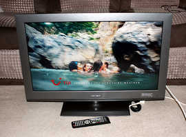 Bush 32 inch LCD TV with Freeview