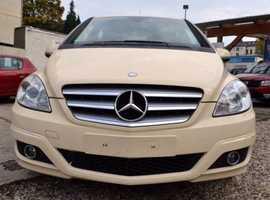 Mercedes 180, 2010 (Q) Cream Hatchback, Automatic Petrol, 166,465 miles