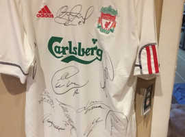 LFC 2009/10 football shirt xl signed by Steven Gerrard and others