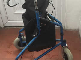 3 wheeler mobility aid with wheels & brakes