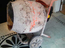 Belle minimix 150 cement mixer. 110v. works as it should. good condition. not used a lot. newer model