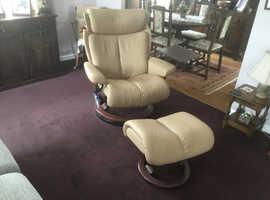 Genuine Stressless arm chair