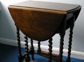 Antique well cared for Victorian oak folding barley-corn gate-leg table.