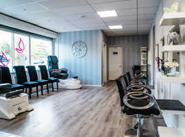 Hairdressing stations to rent