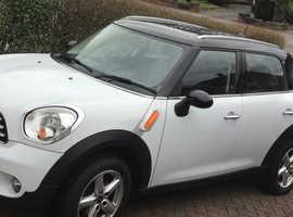 Mini MINI COUNTRYMAN, 2011 (11) White Hatchback, Manual Petrol,