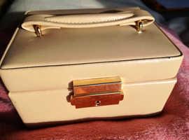 JEWELLERY BOX  — NEW LEATHER - BEIGE