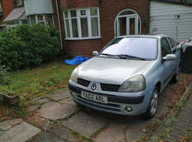 Renault Clio, 2002 (02) Silver Hatchback, Manual Petrol, 78k mileage 6 months mot taxed insured no logbook