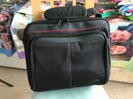 black laptop case in excellent condition