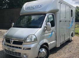 Courchevel 3.5 tonne horsebox for sale -2007 Vauxhall Movano