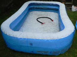 Family paddling pool