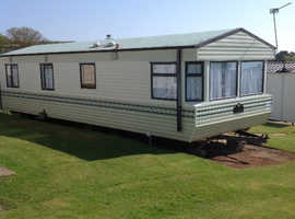 8 BERTH STATIC CARAVAN FOR SALE BARGIN £4000 AT DEVON CLIFFS EXMOUTH IN DEVON