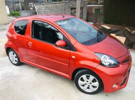Toyota Aygo, 2012 (62) Orange Hatchback, Manual Petrol, 75,000 miles